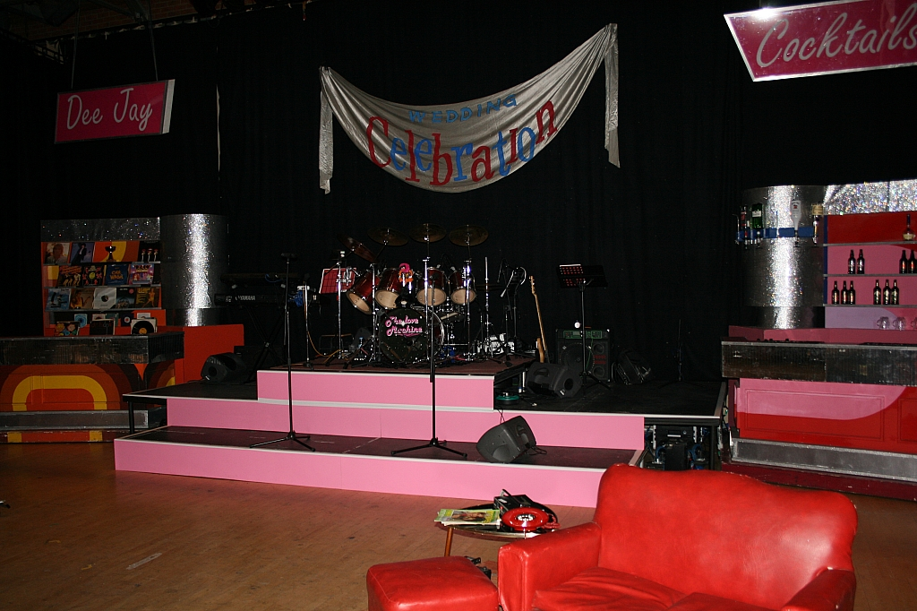 Upstage band rostra